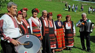 """За четвърта поредна година се провежда националния фолклорен събор """"Леденика"""""""