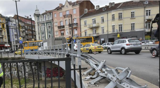 """Пуснаха движението на транспортния тунел на """"Лъвов мост"""""""