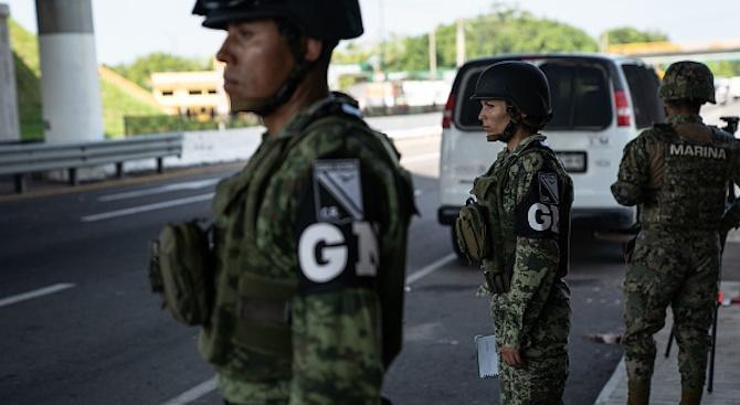 Мексико разположи близо 15 000 служители на националната си гвардия