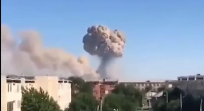 Двама души са загинали при пожарите във военни складове в