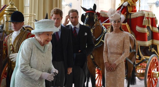 Една болест мори и Кейт Мидълтън, и Елизабет II