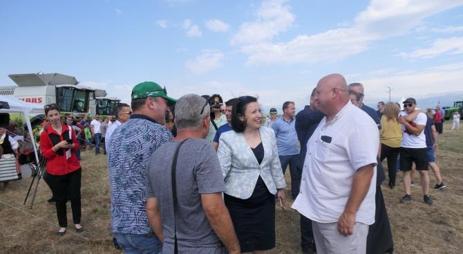 Десислава Танева: 5,4 млн. тона пшеница е очакваната реколта тази година