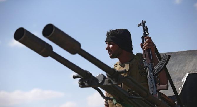 Сирия: Израел въоръжава терористи