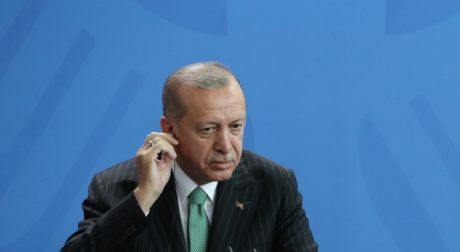 Ердоган се появи за пръв път публично след вота в Истанбул и каза: Да чуем народа