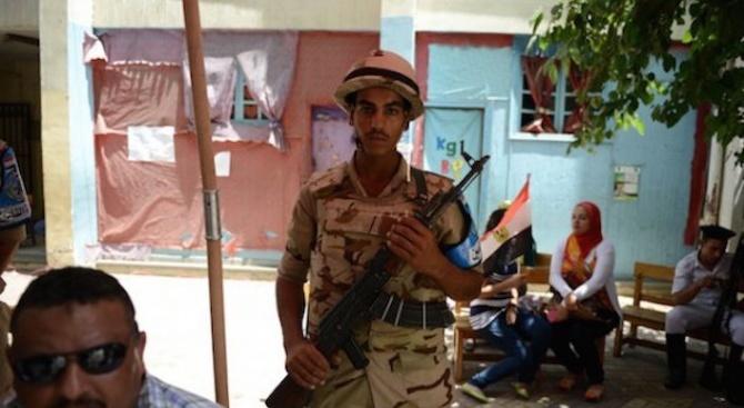 6-има египетски полицаи убити при атаки на екстремисти в Синай