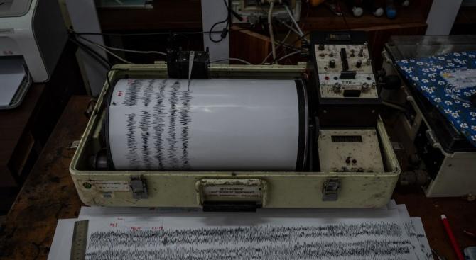 Земен трус с магнитуд 6,3 разтърси район близо до границата