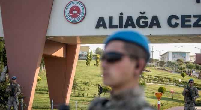Турският парламент одобри нов закон за военната повинност, който намалява