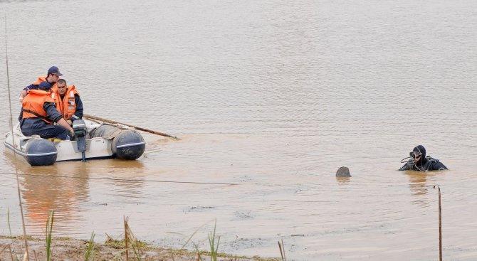 Момче на 17 години е намерено удавено в река Росица