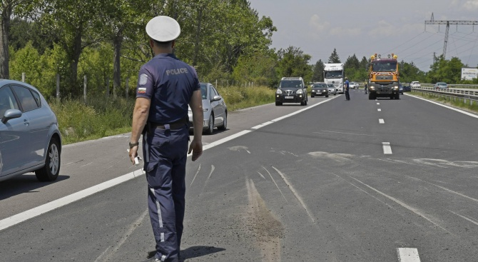 """Ограничават движението по АМ """"Тракия"""" в посока Бургас"""