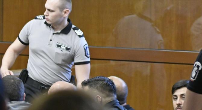Специализираният наказателен съд гледа мярка за неотклонение на групата за