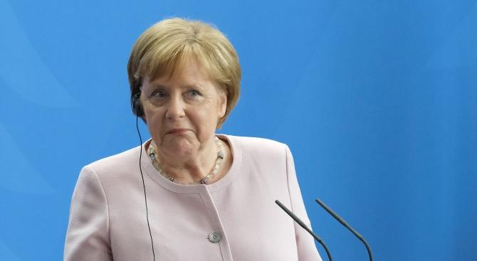 Ангела Меркел се е разтресла отново, написа берлинският в. Велт.
