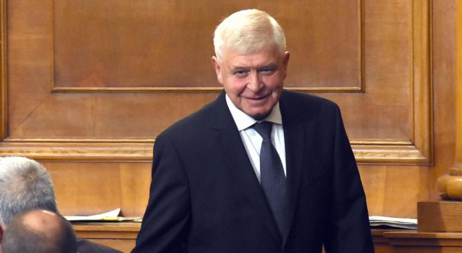 Днес в 15 часа министърът на здравеопазването Кирил Ананиев ще