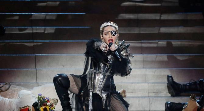 Кралицата на попа Мадона се включи в дебата за насилието