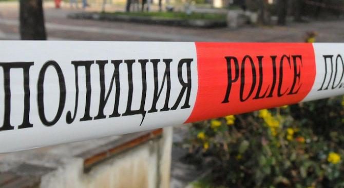 47-годишна жена е задържана и заподозряна за убийството на 56-годишния