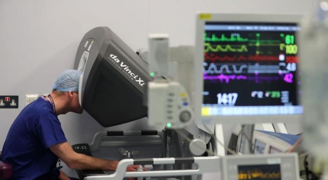 """""""От апарата Da Vinci ще могат да се възползват пациенти"""