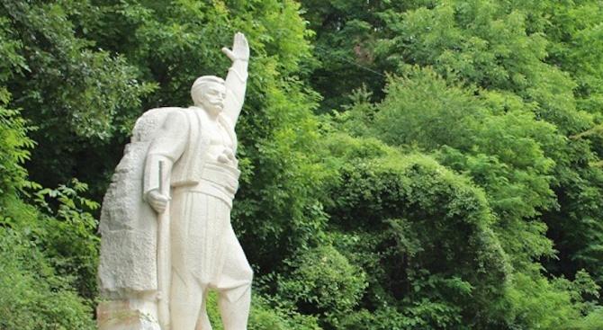 В Тетевен тържествено бяха отбелязани 200 г. от рождението на Петко Милев – Страшния