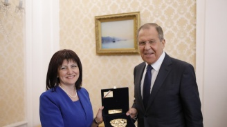Караянчева към Лавров: Самолетите Су-25 ще бъдат ремонтирани в България