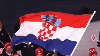 Хървати развяха огромен флаг на дъното на Адриатическо море