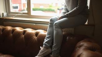 14 г. затвор за мъж, блудствал и заплашвал 8-годишната си осиновена дъщеря