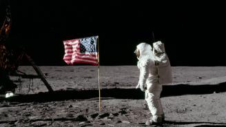 """НАСА ще даде достъп до запечатани проби от мисиите """"Аполо"""""""
