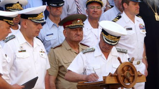 Във Варна вицеадмирал Митко Петев сдаде длъжността