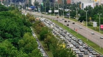 Огромно задръстване блокира София