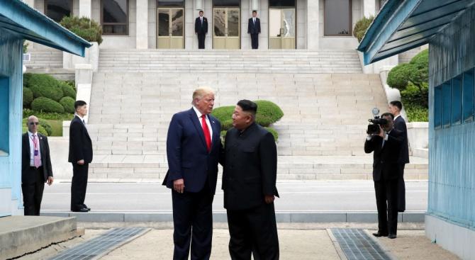 Северна Корея определи срещата Ким-Тръмп като историческа