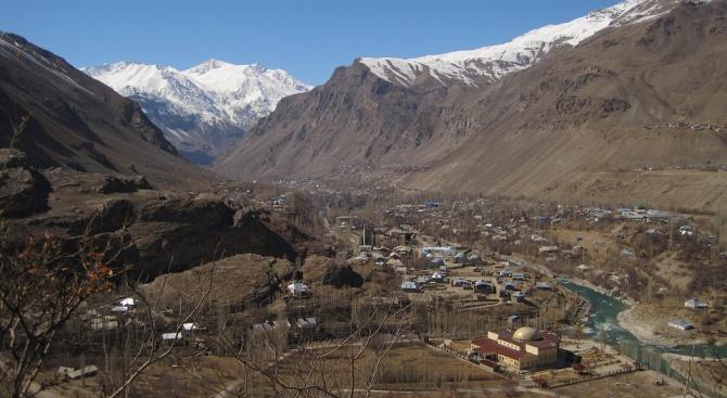 Земетресение с магнитуд 5,2 разтърси Таджикистан