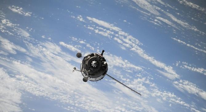 Китай планира да изведе в околоземна орбита групировка от спътници