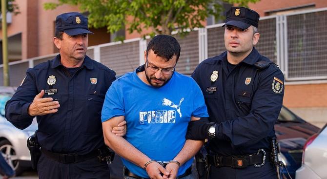 Мъж уби съпругата си, след което измина 400 км, за да си признае в полицията