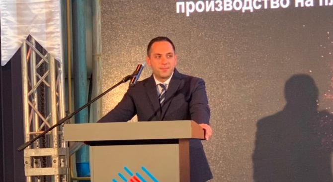 Министърът на икономиката Емил Караниколов откри днес в Търговище новопостроената