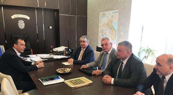 Кметът на Община Бургас Димитър Николов и Анатолий Макаров -