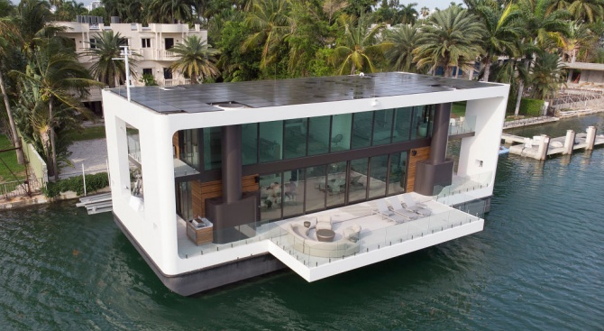 Луксозен плаващ дом се адаптира с покачването на морското равнище