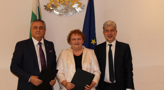 Министърът на околната среда и водите Нено Димов и Ангел