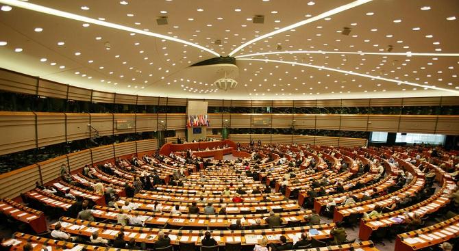 Снимка: Евродепутатите избраха на първи тур 11 от общо 14 заместник-председатели на ЕП