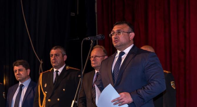 Снимка: Министър Маринов и ръководството на МВР наградиха служители за постигнати отлични професионални резултати