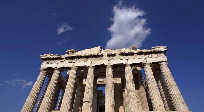 Затвориха Акропола в Атина заради жегите