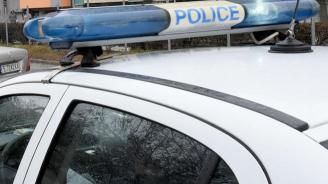 Скандалджия бутна полицай и опита да избяга от районното в Пазарджик