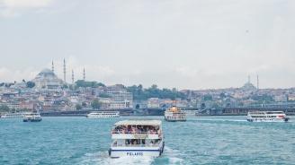 Откриха фериботна линия Чешме - Атина
