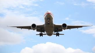 Български самолет кацна аварийно в Тел Авив