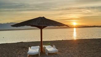 40 лева за шезлонг на плажа в Черноморец