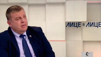 Каракачанов: Самолетът не е трабант, който можеш да паркираш навсякъде