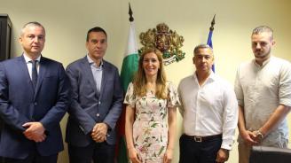 Ангелкова се срещна с кметовете на Бургас и Варна