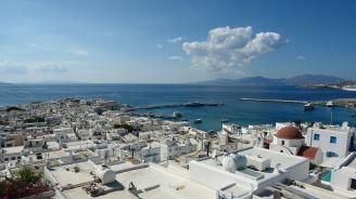 """Акция """"Буря в Егейско море"""" тече в курортите в Гърция"""