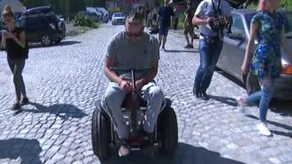 Българин с увреждане покори Черни връх в инвалидна количка на ток