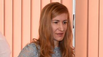Ангелкова ще сезира прокуратурата за бариера пред плажовете на Русалка