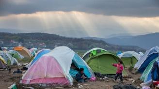 ООН заклейми атаката срещу мигрантски лагер и призова за спиране на огъня в Либия