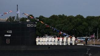 Погребаха моряците, загинали при пожар на руска подводница