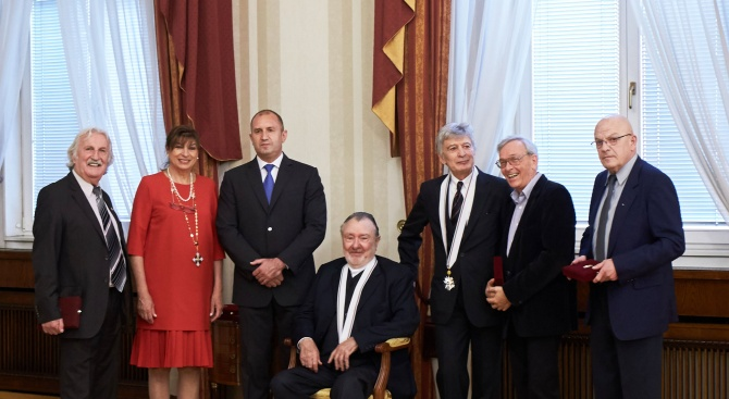 """Президентът Румен Радев удостои днес в Гербовата зала на """"Дондуков""""2"""