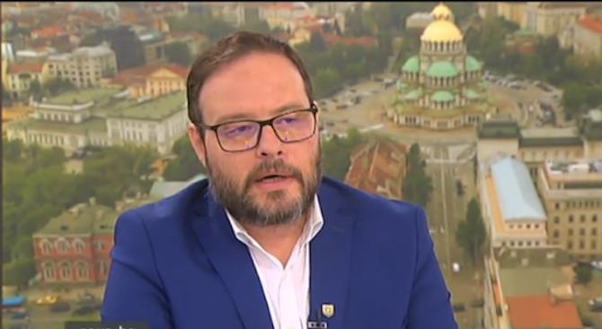 """НФСБ и ВМРО хванаха и строшиха в земята коалицията """"Обединени"""
